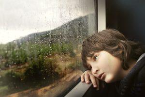 雨でデート中止